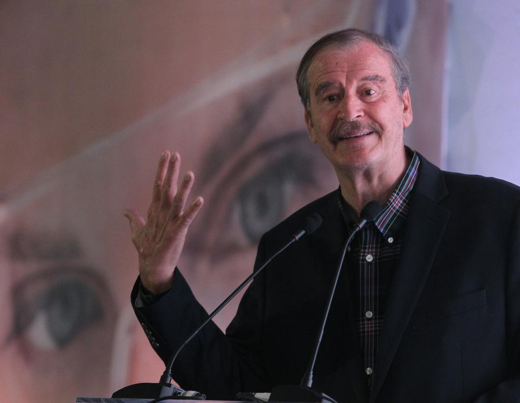 Vicente Fox sugiere incluir a AMLO en consulta contra expresidentes