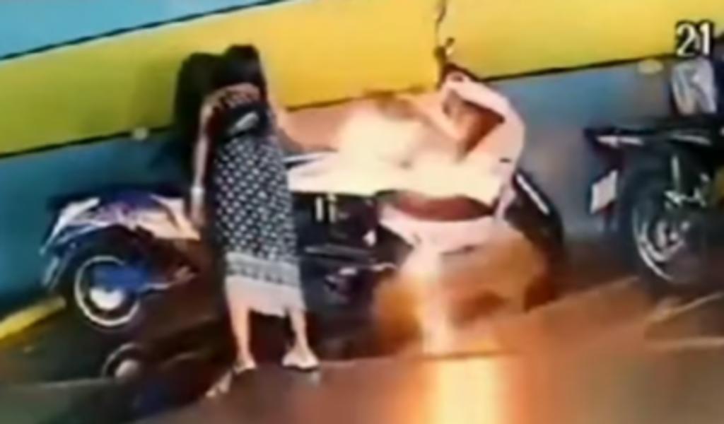 Mujer es arrestada tras incendiar la motocicleta de su exnovio valuada en 31 mil dólares