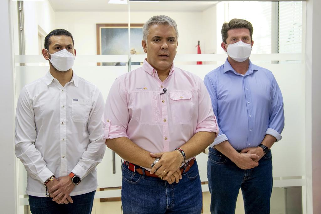 Presidente de Colombia sobrevive a atentado