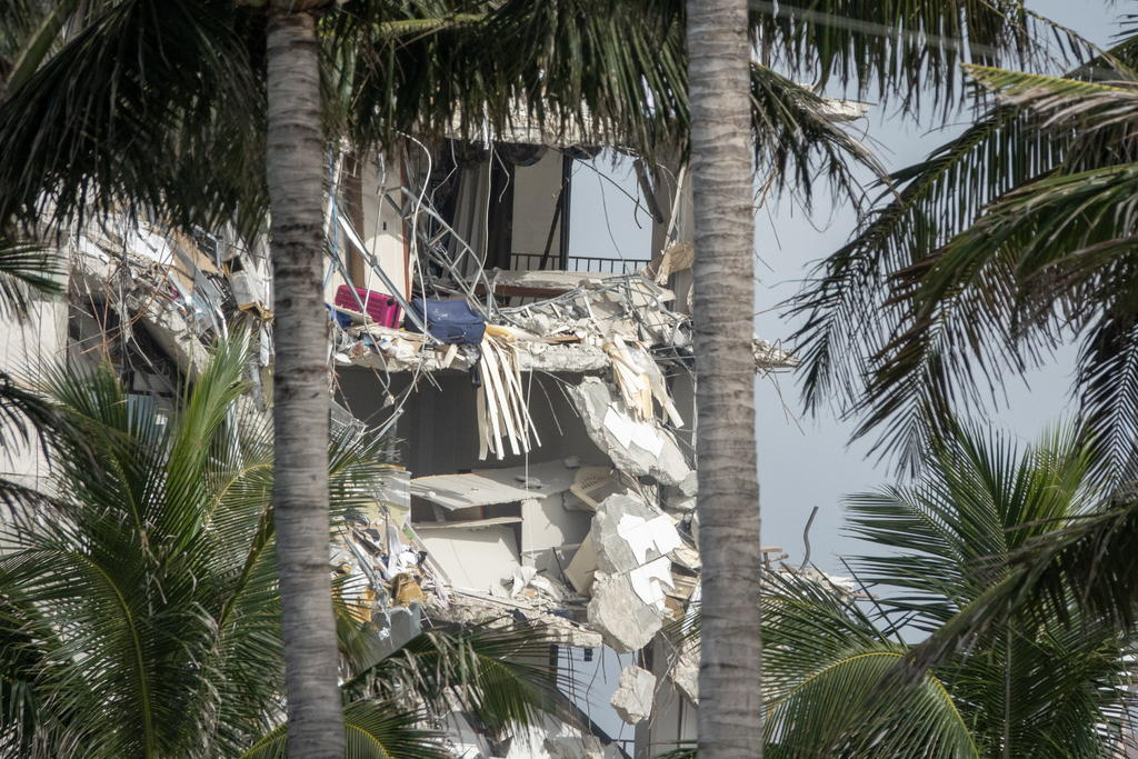 Marcelo Ebrard ofrece el apoyo de México a Miami tras colapso de edificio