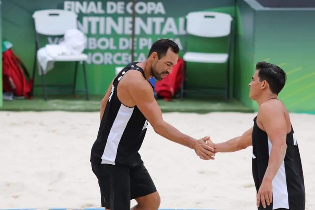 Las selecciones femeninas y masculinas de voleibol de playa de México clasifican a la final de la Copa Continental