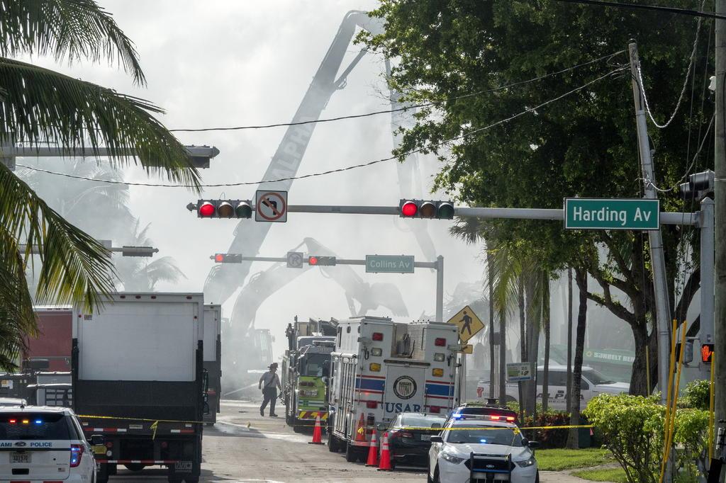 Equipos de México, Israel y otras partes de EUA trabajan en derrumbe en Miami-Dade