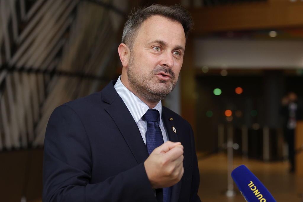 Primer ministro de Luxemburgo da positivo a COVID tras participar en cumbre de UE