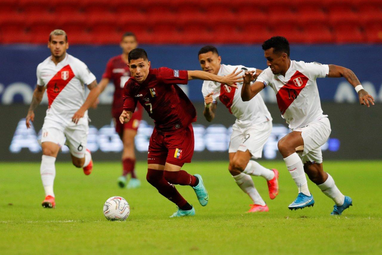 Perú se impone a Venezuela y se coloca en los 8 mejores de la Copa América