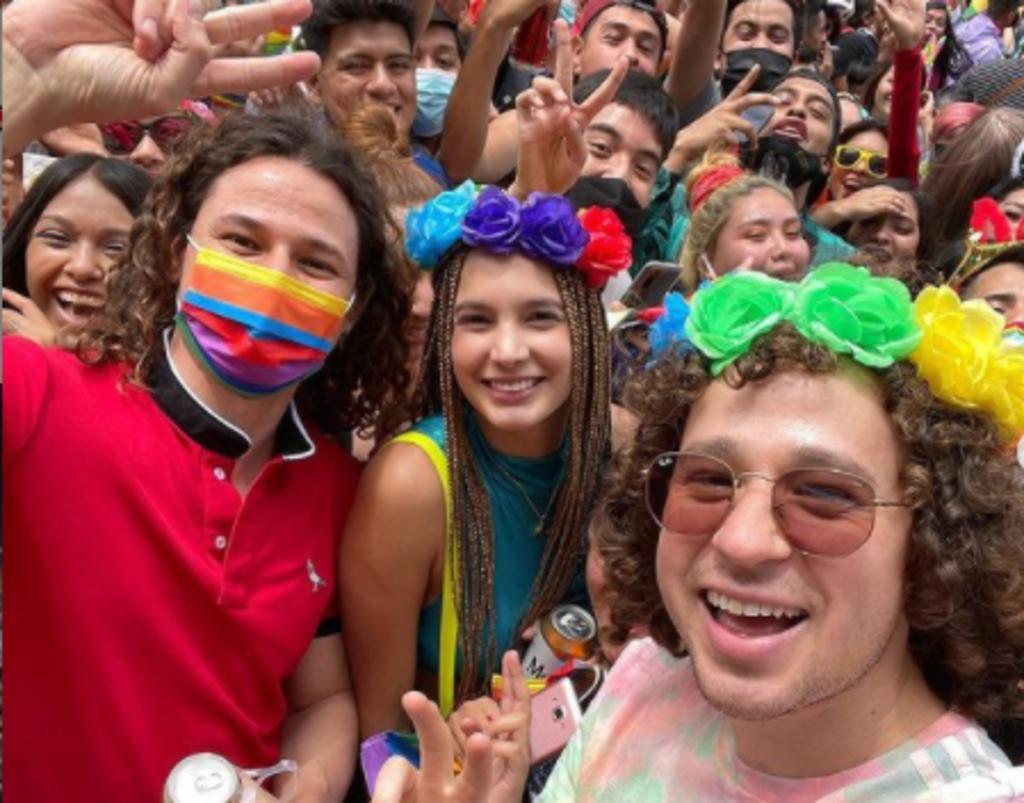 Luisito Comunica denuncia que intentaron robarle su celular en la Marcha LGBT+
