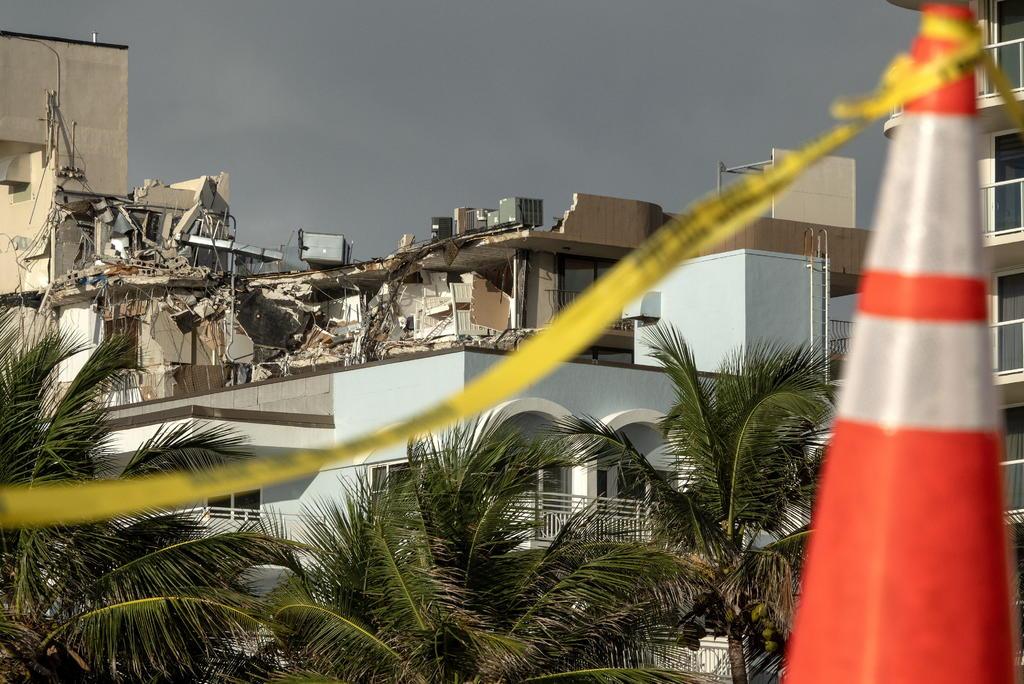 Nuevas cifras del derrumbe en Miami indican 10 muertos y 151 desaparecidos