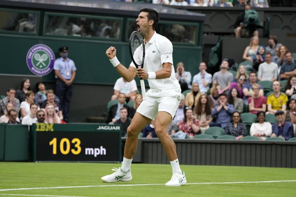 Novak Djokovic se estrena en Wimbledon y evita dar la sorpresa