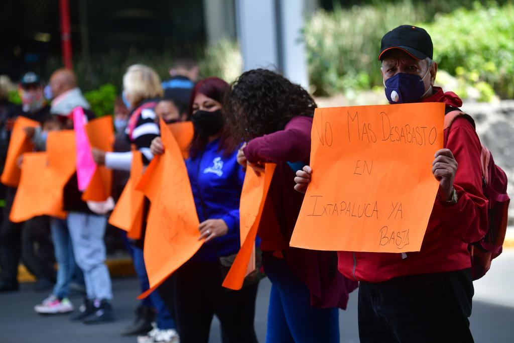 Papás de niños con cáncer convocan a 'macrobloqueo' al Aeropuerto de CDMX