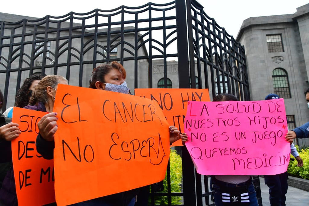 Padres de niños con cáncer llaman a realizar paro nacional en México