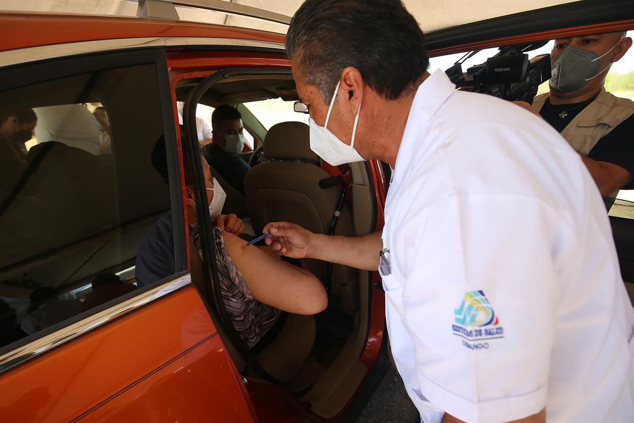 Sin fecha, vacuna para sector 40 a 49 años en Durango