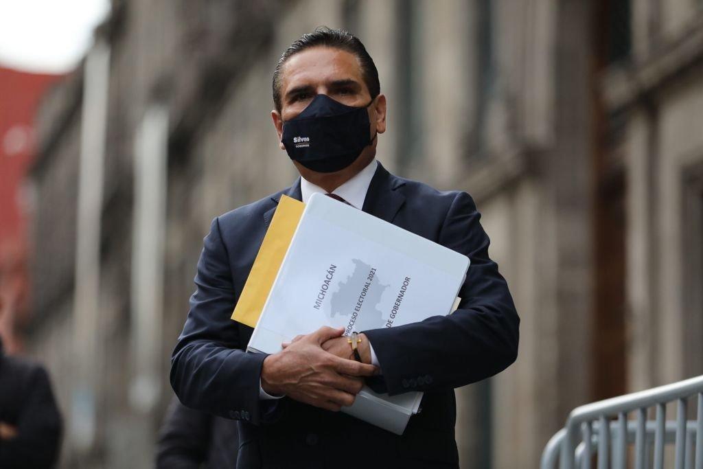 López Obrador recomienda a Silvano Aureoles que acuda a la FGR; 'no lo voy a recibir', dice