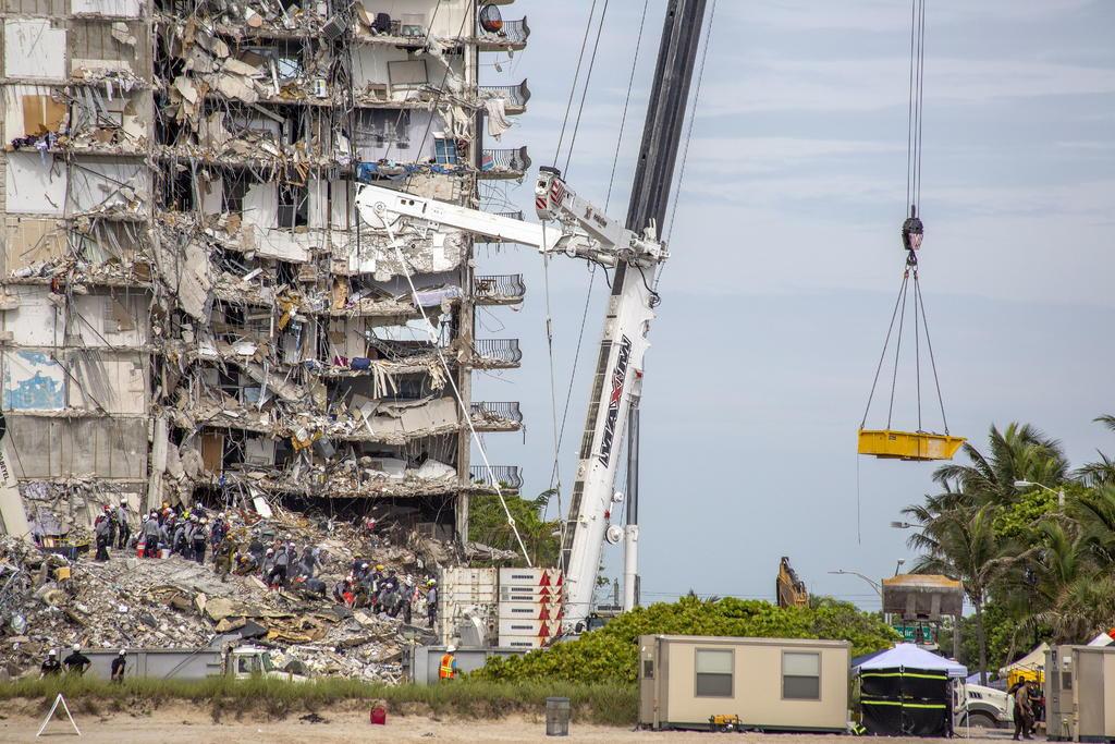 El número de fallecidos del derrumbe en Miami-Dade se mantiene en 11