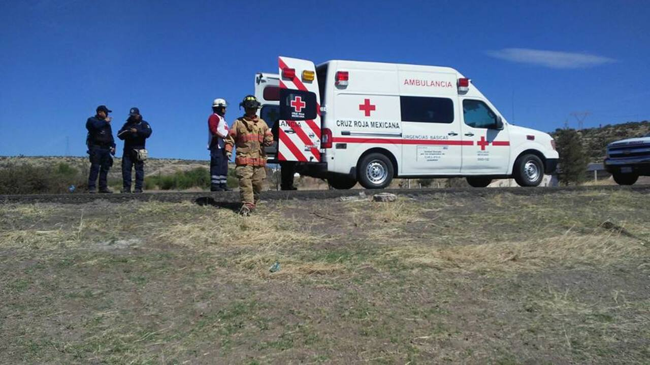Lluvia ocasiona dos accidentes en las rutas Durango-Mazatlán
