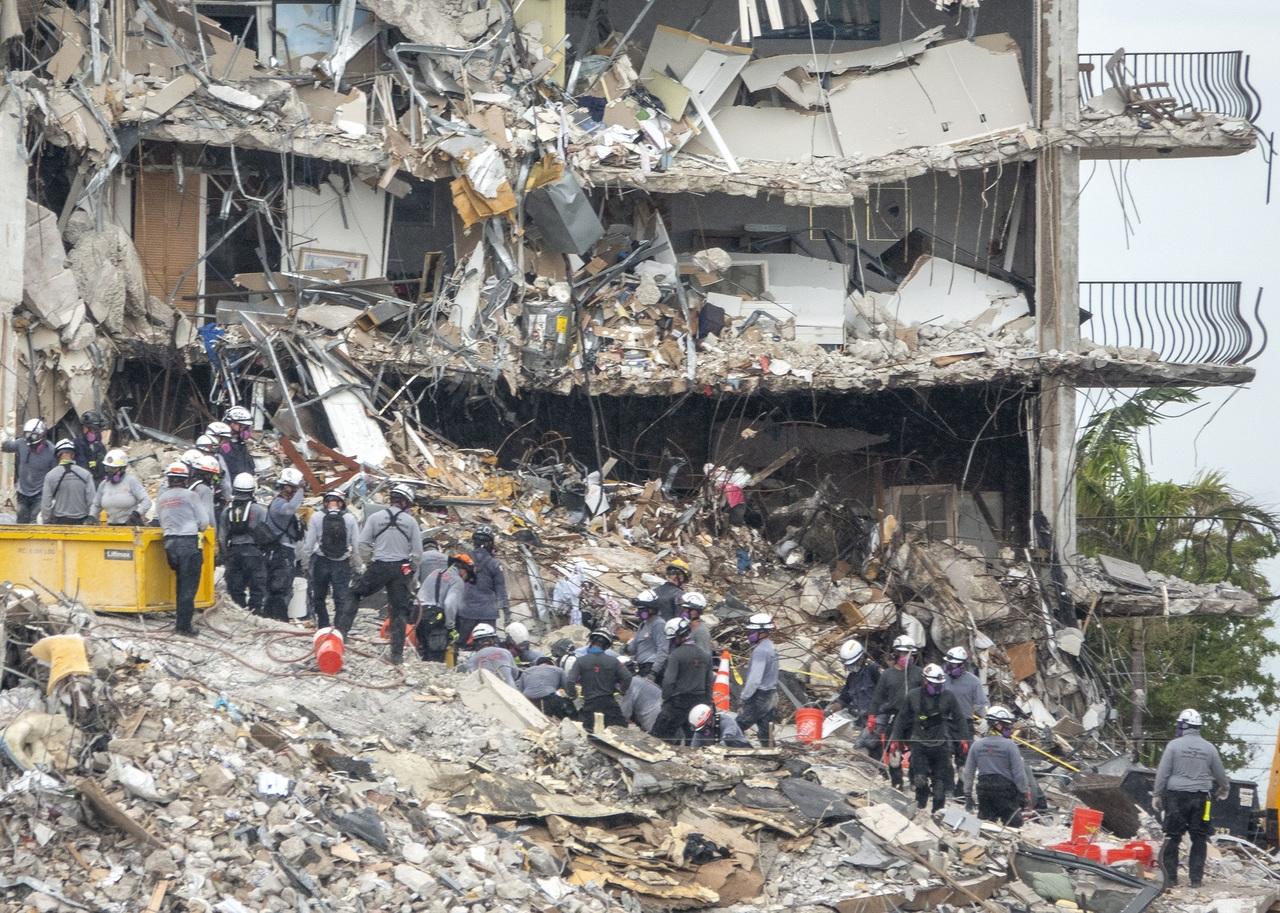 Miami: sube a 12 la cifra de muertos en derrumbe