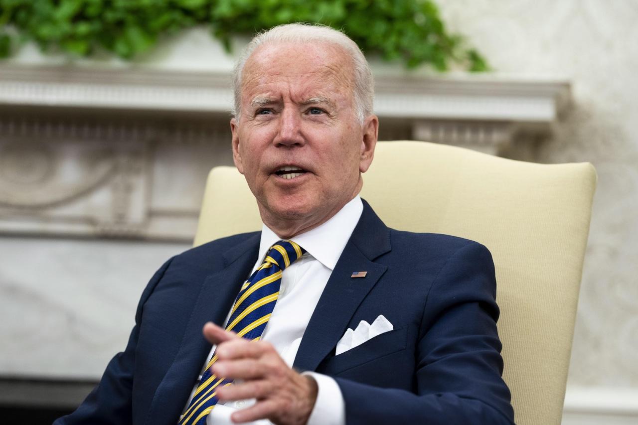 Defiende Biden bombardeos
