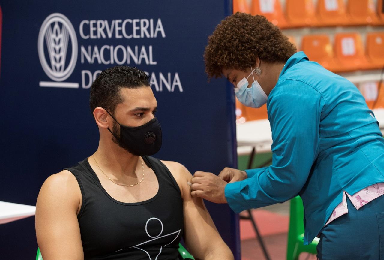 Nuevos contagios en Chile disminuyen más de 30%