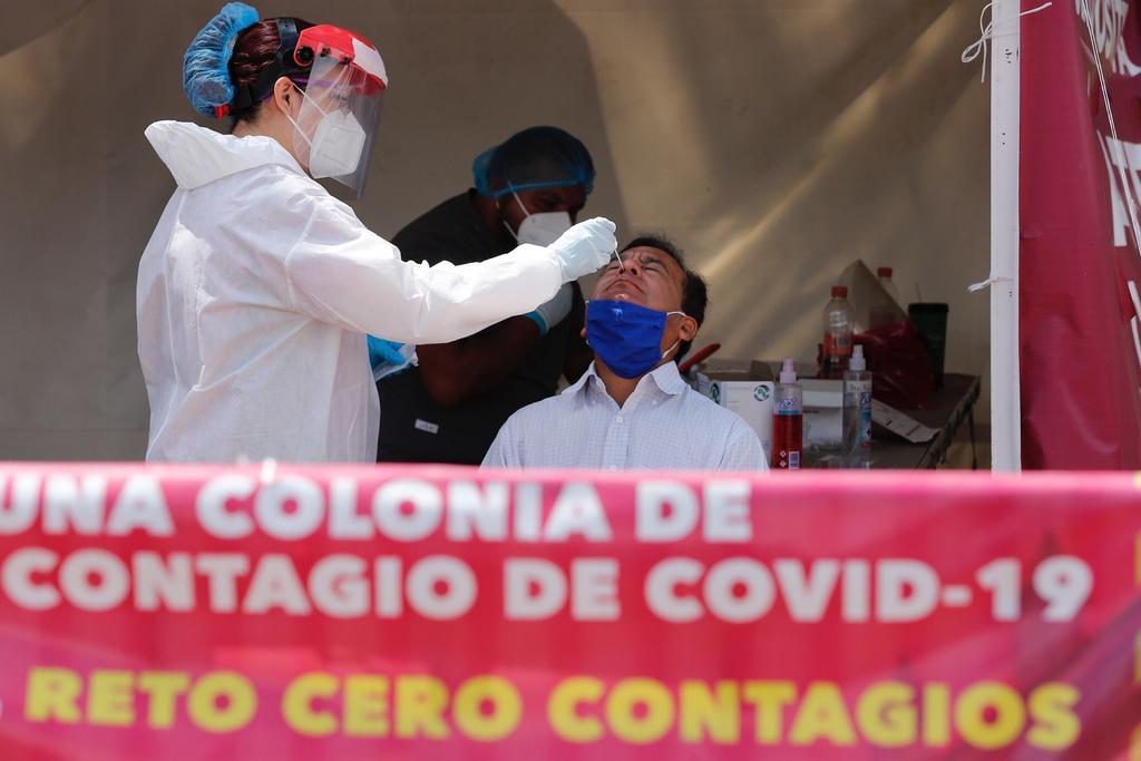 Las variantes del COVID-19 dominan en repunte de casos en México