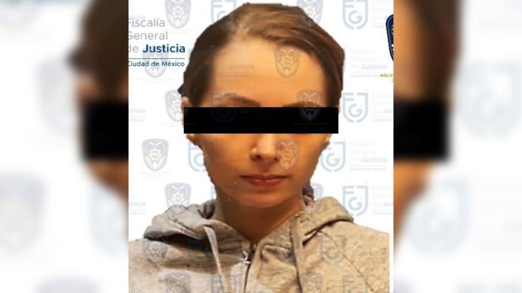 Difunden imágenes de la detención de YosStop; fue arrestada por el delito de pornografía infantil