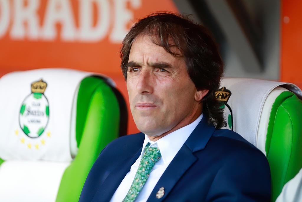 'Ojala se incorpore mañana'; Guillermo Almada confirma que tiene en la mira a un delantero del mercado extranjero
