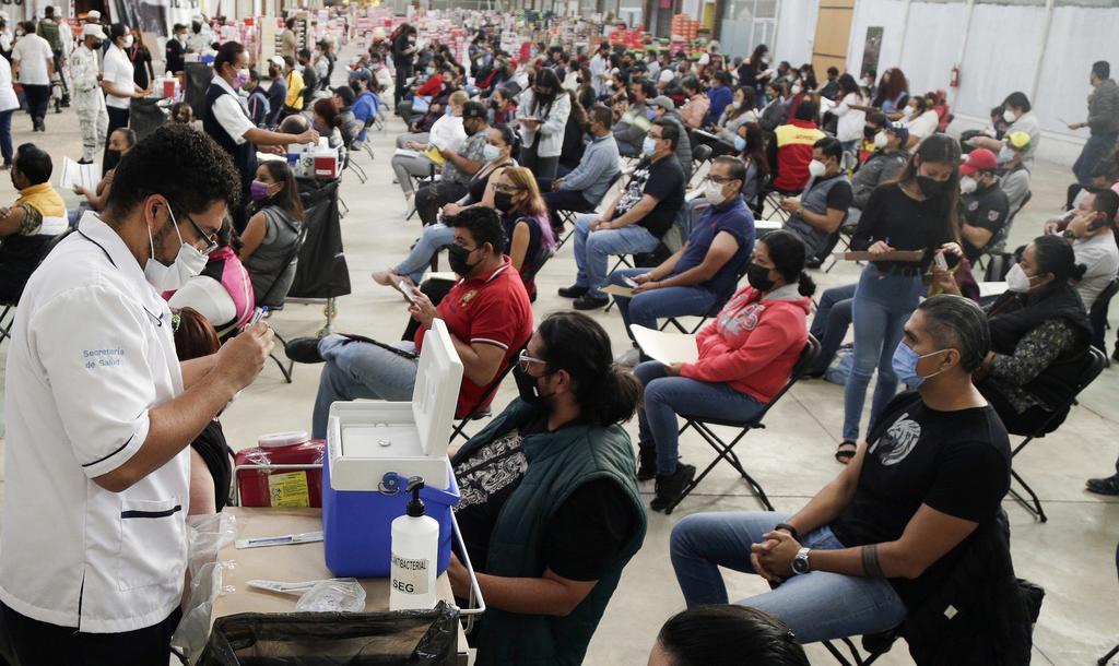 México registra 16 mil 244 contagios nuevos de COVID, mayor cifra de tercera ola