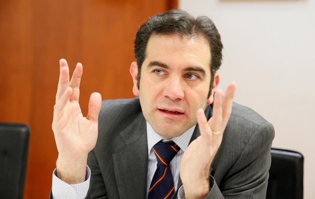 Previo a imponer sanción, Córdova llama a Samuel García a impugnar