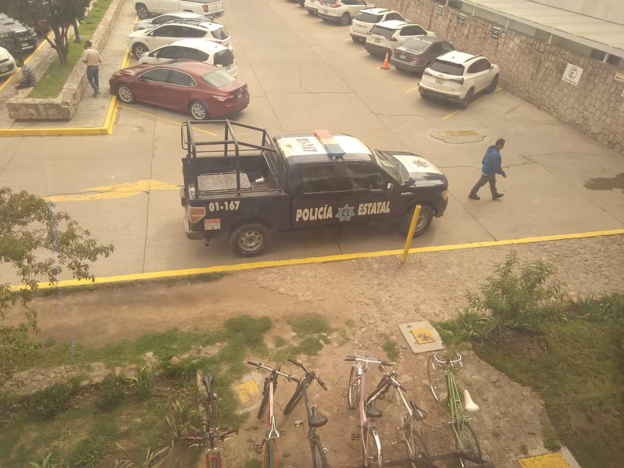 Policía se moviliza en IMSS Durango; acusan a residentes por desaparición de medicamento