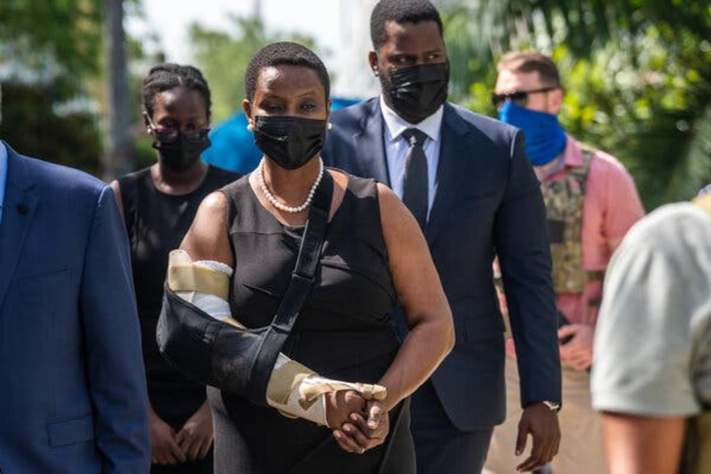 La primera dama de Haití llega al velorio del expresidente Jovenel Moise