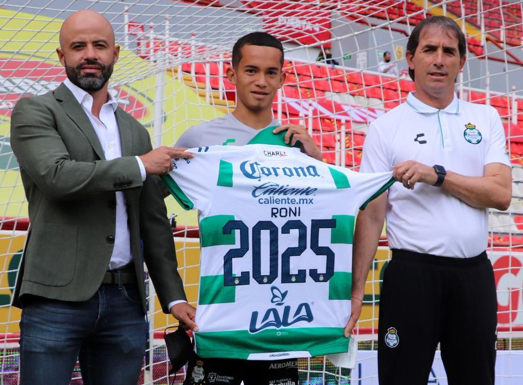 Ronaldo Prieto renueva con Santos Laguna hasta 2025