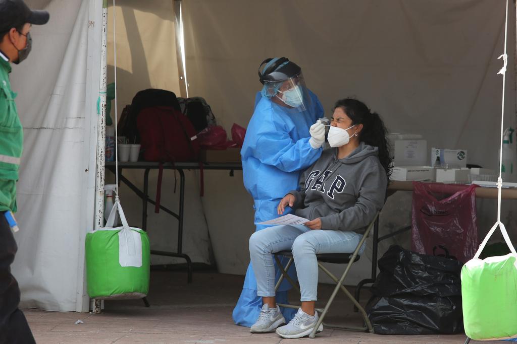 Salud sube alerta por COVID en todo el país