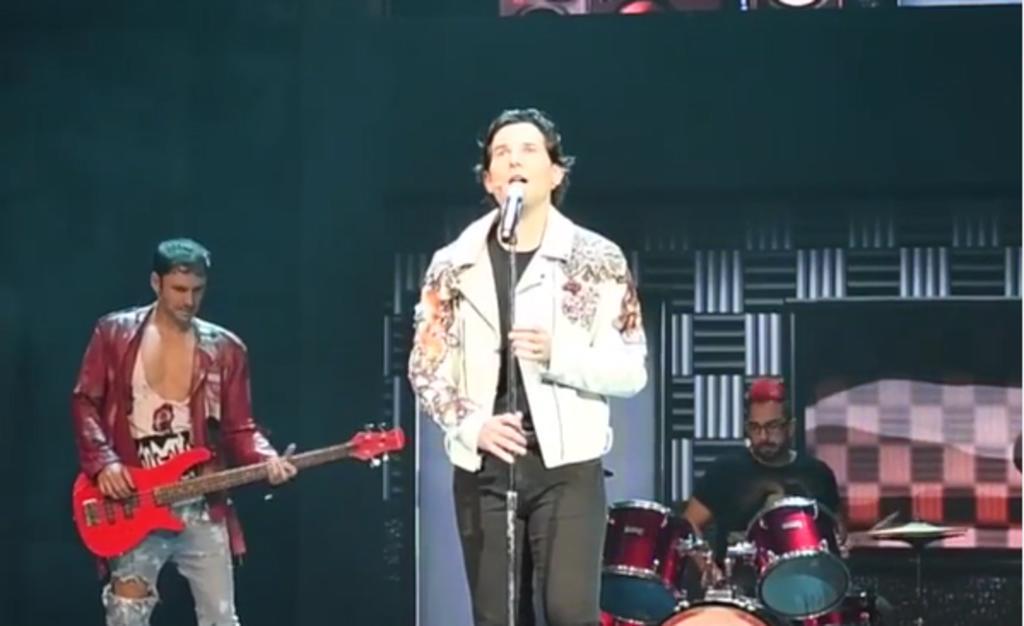 Conmueve a Alan Estrada ovación tras su regreso a 'Hoy no me puedo levantar'