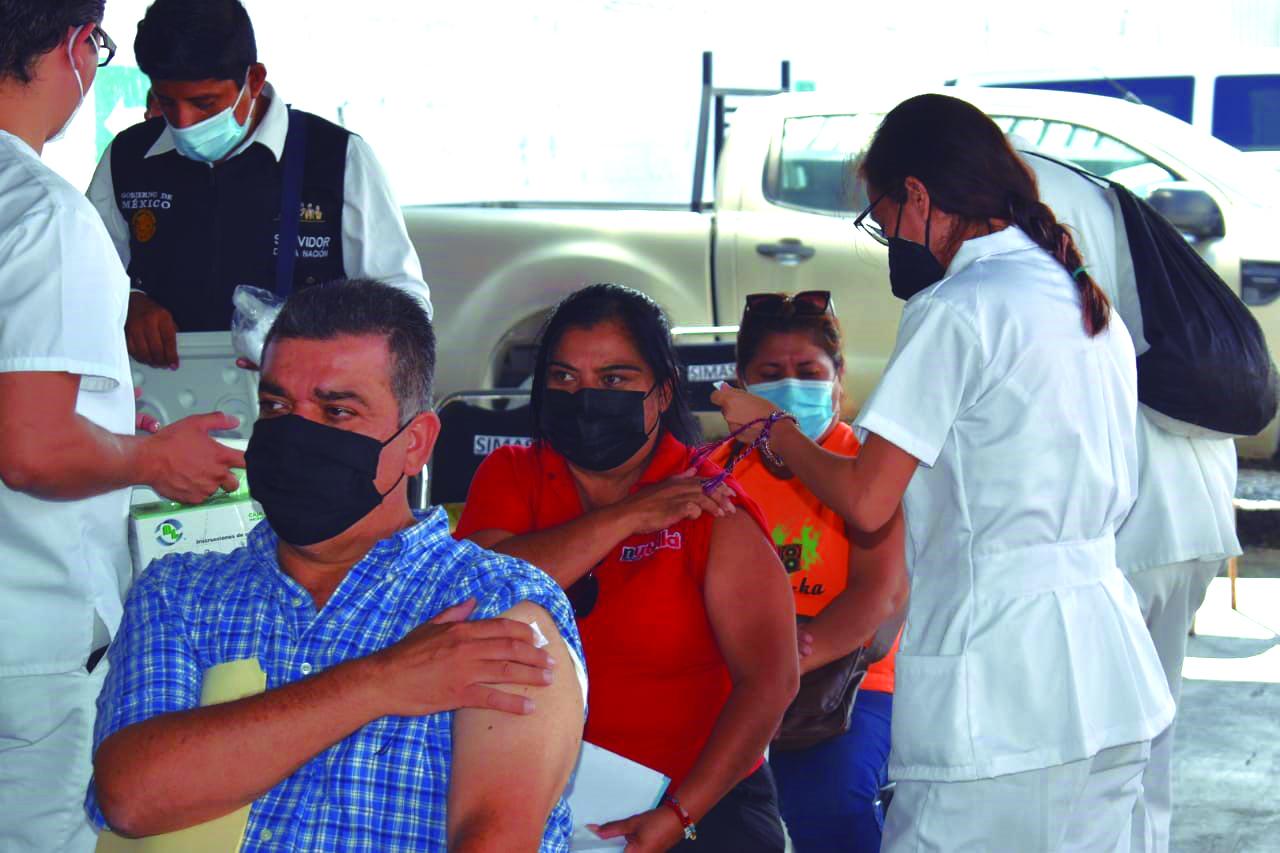 Activan tres sedes de vacunación en Lerdo
