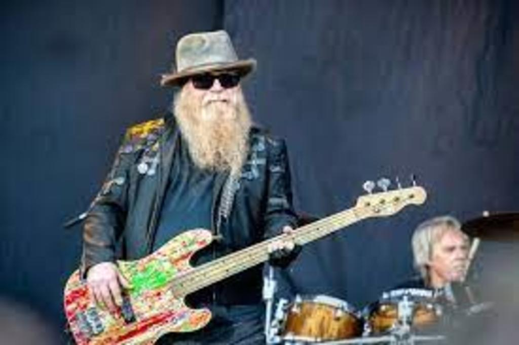 Muere el bajista Dusty Hill del grupo ZZ Top