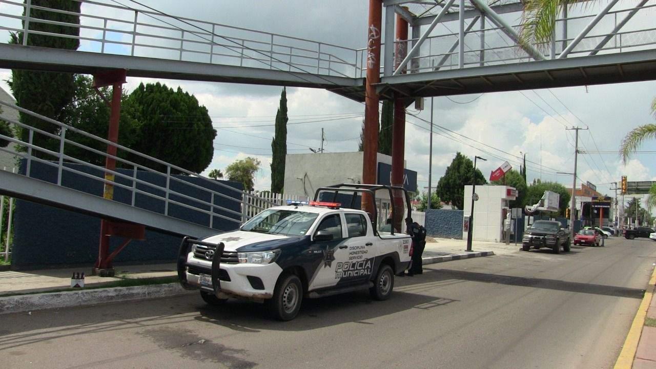 Mujer intenta suicidarse en puente de bulevar Domingo Arrieta