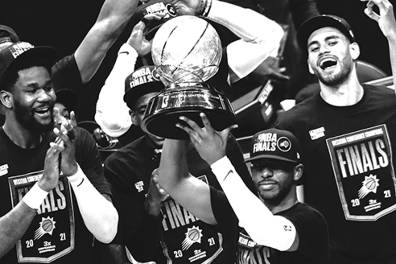Los Suns avanzan a las Finales de la NBA