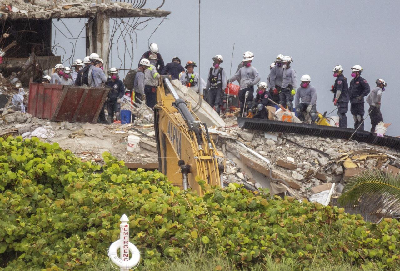 Han recuperado 18 cuerpos en derrumbe