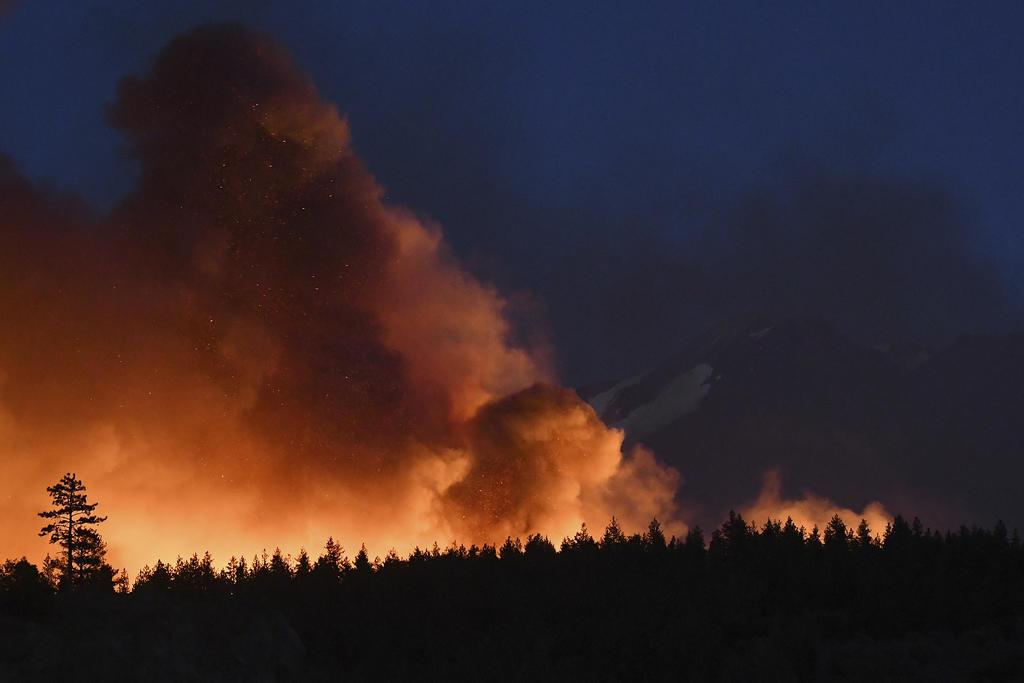 Un gran incendio en el norte de California ha quemado cerca de 8 mil hectáreas
