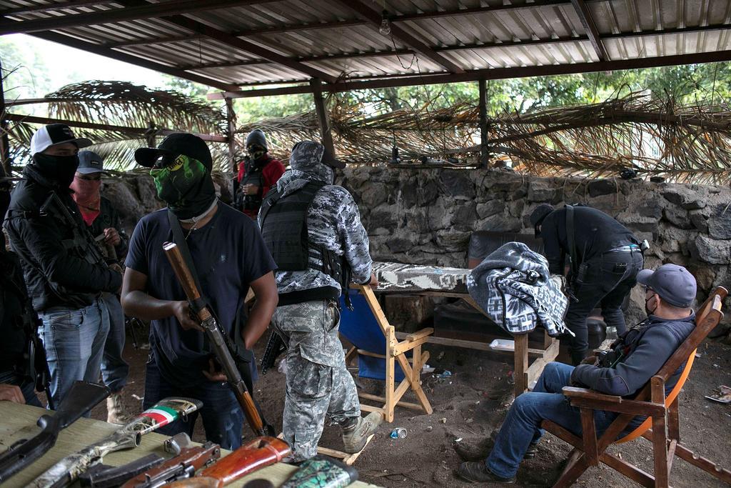 Tensión en zona aguacatera de Michoacán por levantamiento de civiles armados