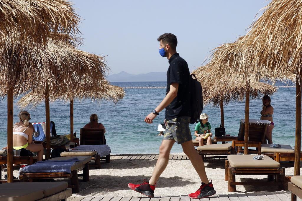 Grecia pide certificado de vacunación contra el COVID-19 para viajar a las islas