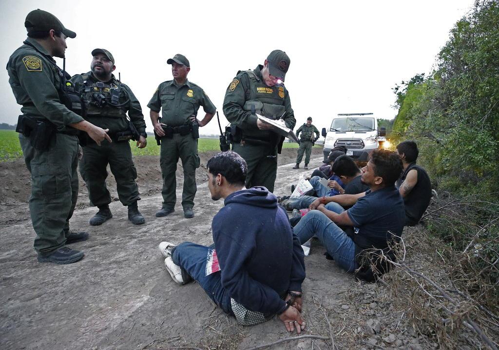 Un multimillonario financia envío de efectivos a la frontera entre Estados Unidos y México