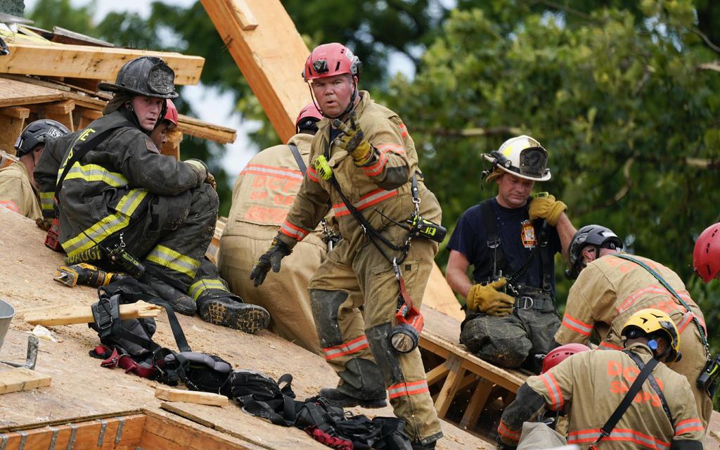 Edificio de cinco pisos en Washington se derrumba; hay varios heridos