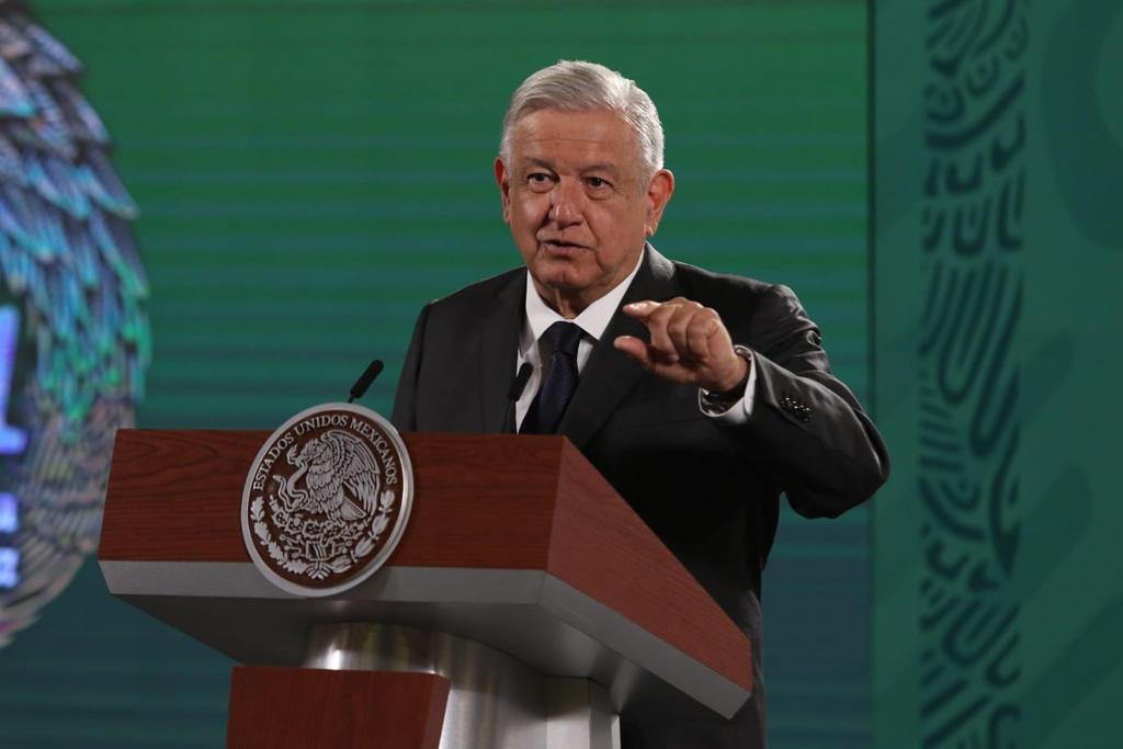 López Obrador defiende encuesta en la que sacó 6.7 de aprobación