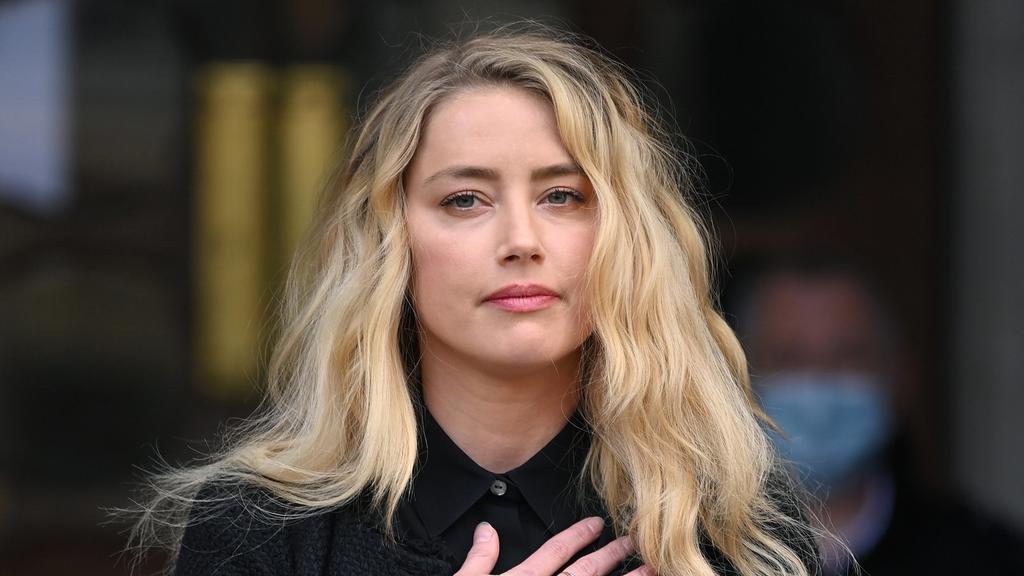 Amber Heard presenta en redes a la hija que tuvo por gestación subrogada