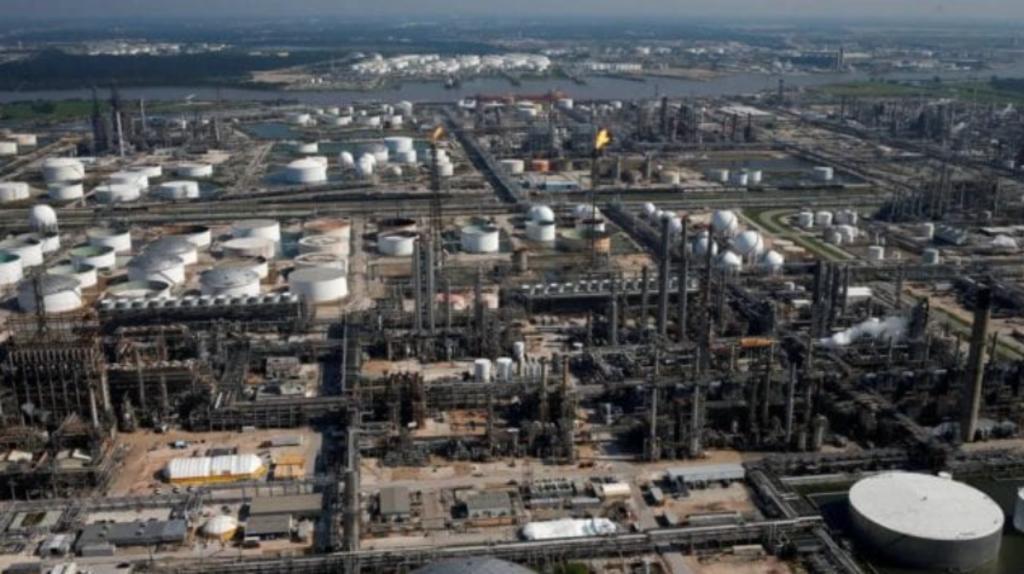 El proceso de compra-venta de la refinería Deer Park avanza y genera diversas opiniones