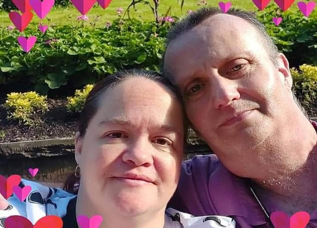 Hombre con cáncer terminal muere el día de su boda