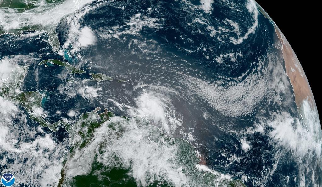'Elsa', huracán categoría 1, se ubica muy cerca de San Vicente y las Granadinas