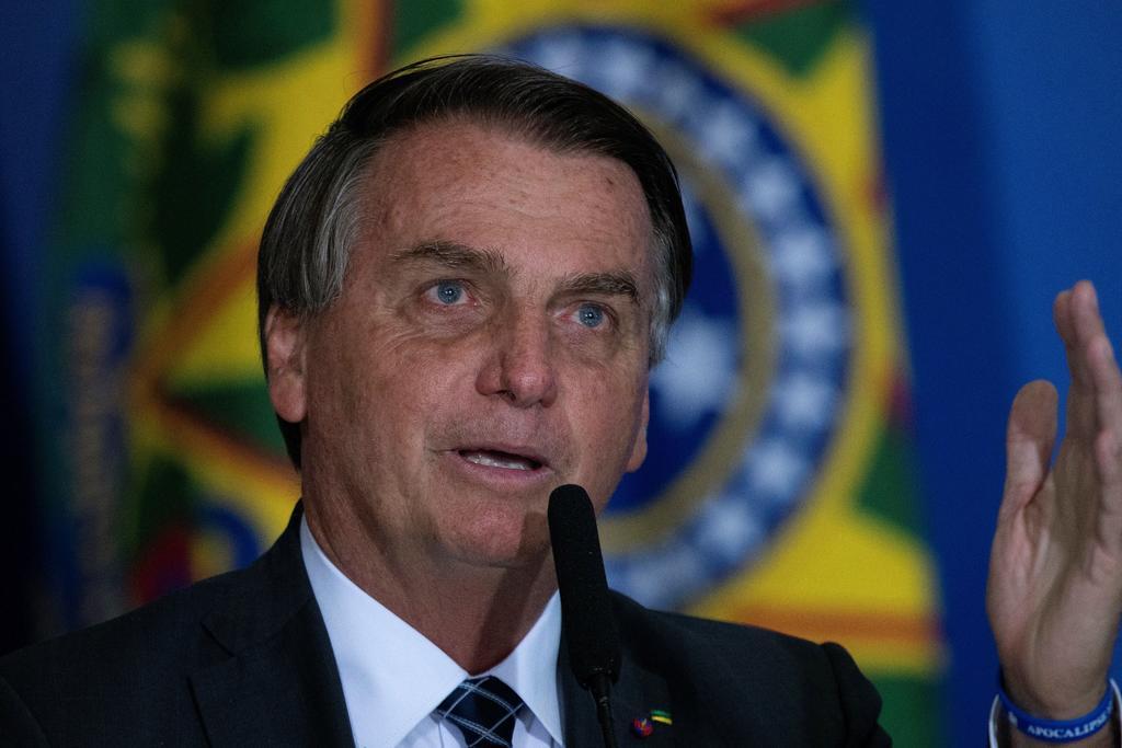 Jair Bolsonaro afirma que gobernador salió del clóset para promover su candidatura