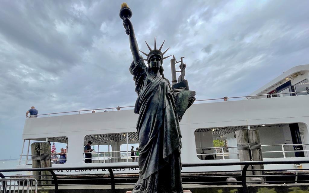 Conoce a la 'hermana menor' de la Estatua de la Libertad en Nueva York