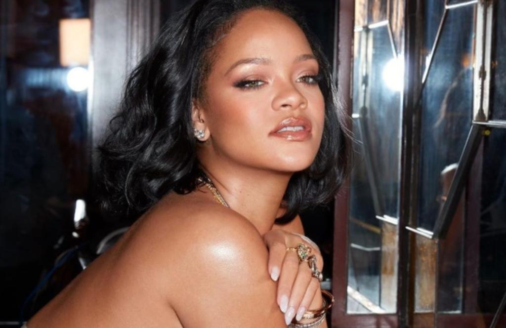Rihanna hace 'arder' la red con lencería