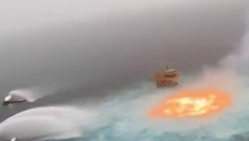 La plataforma Ku-Charly de Pemex en Campeche registra incendio en las aguas del Golfo de México