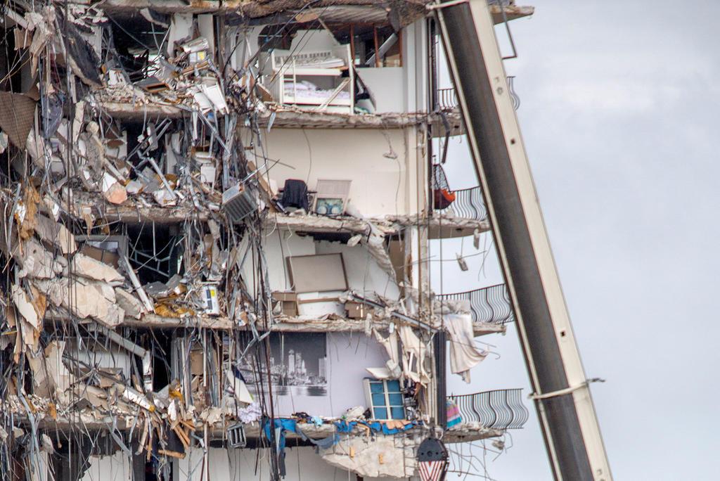Autoridades ordenan evacuar edificio de 156 apartamentos tras inspección en Miami-Dade